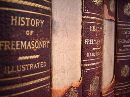 History of Freemasonry Illustrated - Foto di TR Roberts